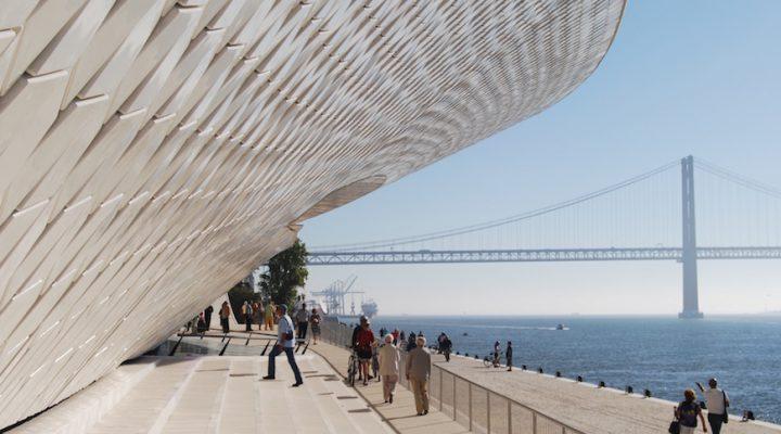 Le long du Tage : Visite du nouveau Musée de l'Art, de l'Architecture et de la Technologie à Lisbonne