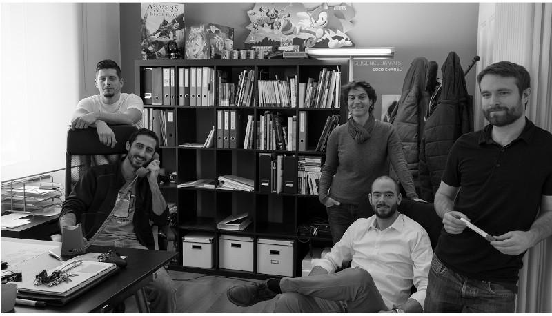 employés de l'entreprise digital kindgom dans leur studio